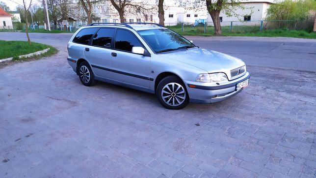 Volvo v40 бензин