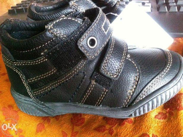 ботинки Dombi демісезон хлопчик Іспанія р.26 (17см) шкіра нові чорні