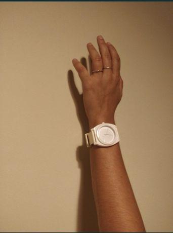 Relógio branco Nixon