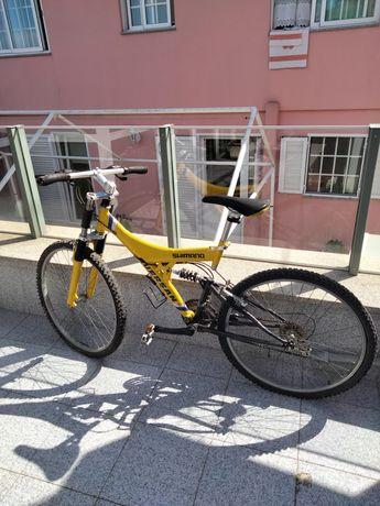 Vendo bicicleta de montanha