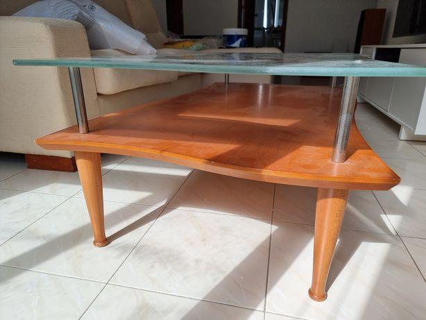 Vendo mesa de centro 106×116 cerejeira e vidro