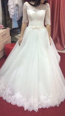 Продам свадебное платье 44р.