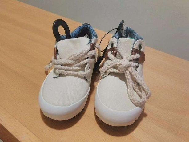 Sapatilhas botas 24 novas