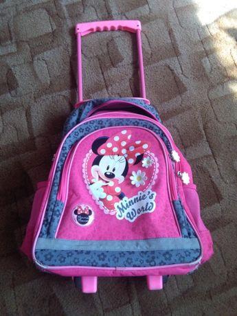 Używany plecak Myszka Minnie na kółkach