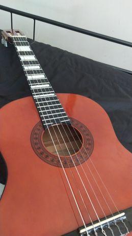 Guitarra Clássica Rey quase nunca usada