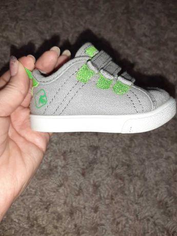 Кросівки дитячі( дитяче взуття)