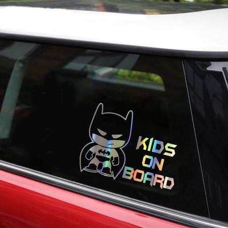 Наклейка на автомобиль Batman Бетмен Бэтмен (ребенок в машине) Хамелео