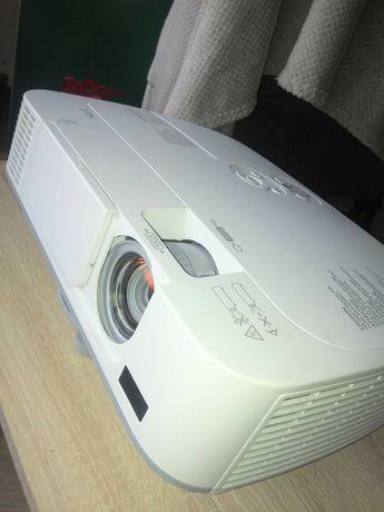 Projektor rzutnik NEC M311W