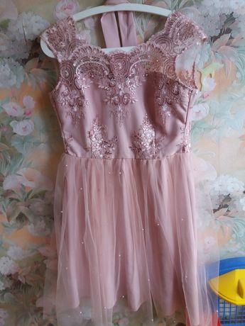 Нарядное платье пудрового цвета