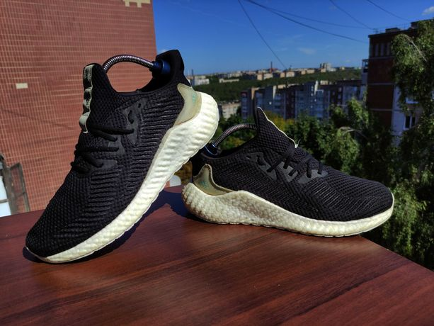 Adidas Alphaboost Parley / кросівки / кроссовки / 44.5