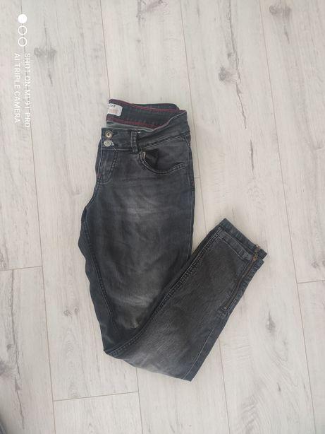 Przecierane spodnie M Terranowa