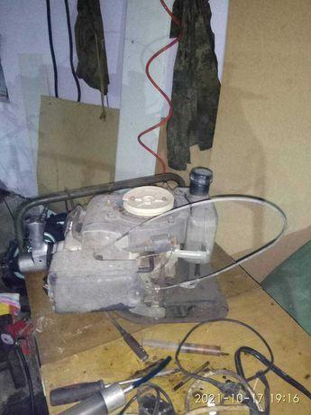 Двигатель мотокультиватора МТД. Насос НШ-10.