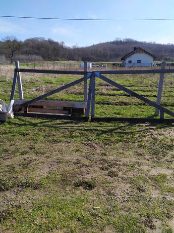 Drzwi z ościeżnicą i brama wjazdowa na budowę szeroka 5 m,