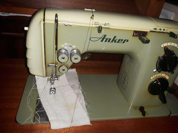 Maszyna do szycia ze stołem ANKER