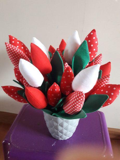 Tulipany z materialu