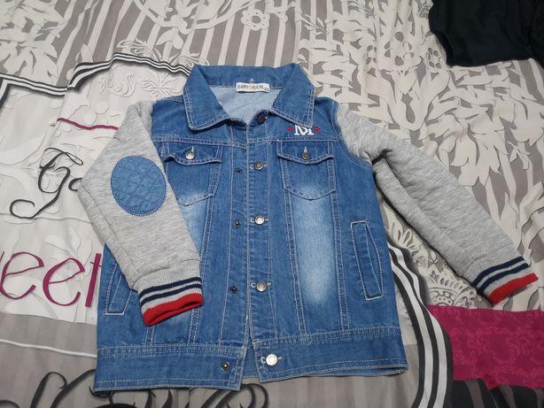 Kurtka jeans z kapturem rozm.110-116
