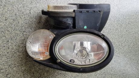 Lampa przednia kompletna prawa M313D M315D M316D M322D