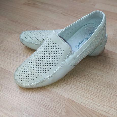 мокасини, туфлі, мешти для хлопчика