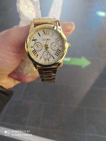 Годинник під золото 115 , смарт годинники 150( білий і чорний)