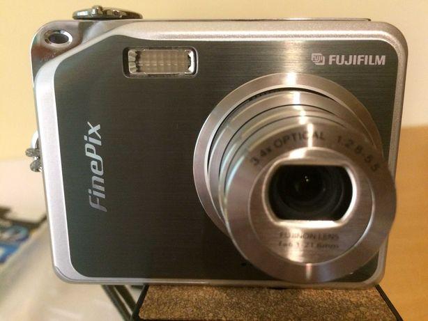 Camera FUJI Film - FinePix V10, como nova!