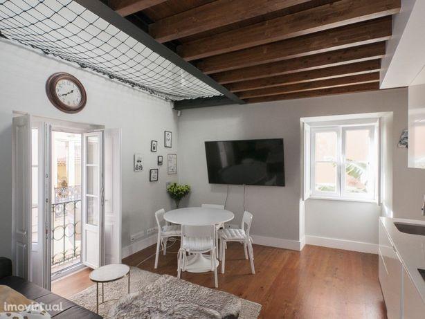 Apartamento duplex quase novo tipo Loft em Alfama!