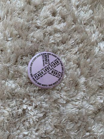 Значок для одягу
