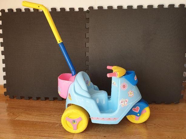 Triciclo para passear Nenuco