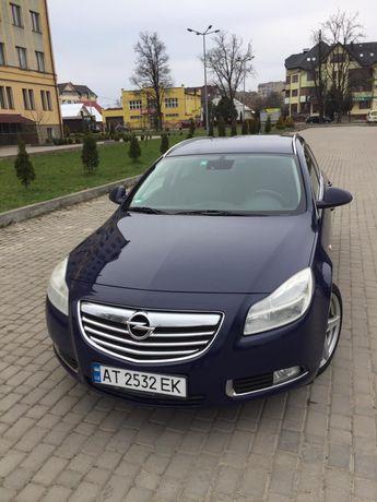 Свіжопригнаний автомобіль із Німеччини opel Insignia