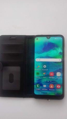 Продаю смартфон Самсунг М30