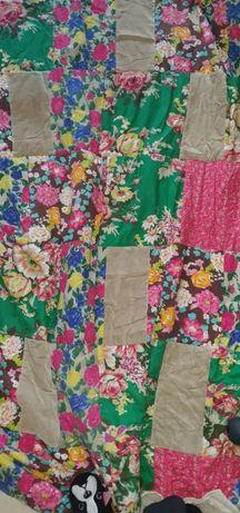 Colcha cortinados tapetes almofada