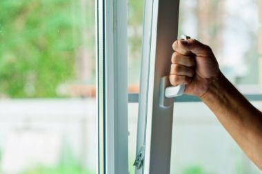 регулювання та ремонт металопластикових, деревяних, алюміневих вікон