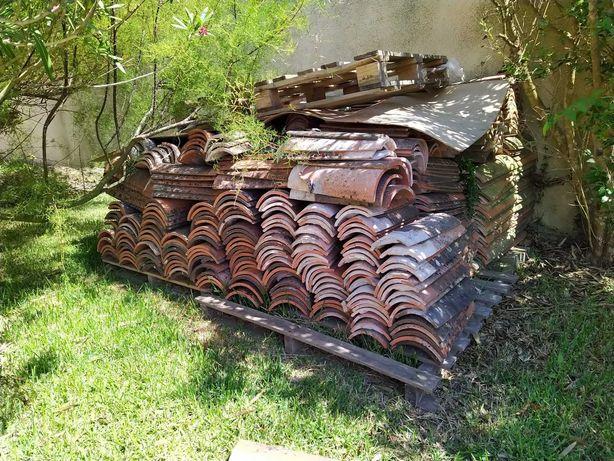 300 Telhas de canudo rústicas usadas