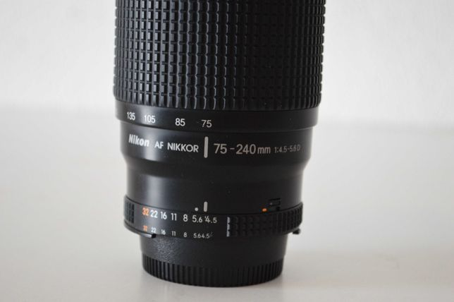 Objectiva Nikon 75-240 1:4.5-5.6D