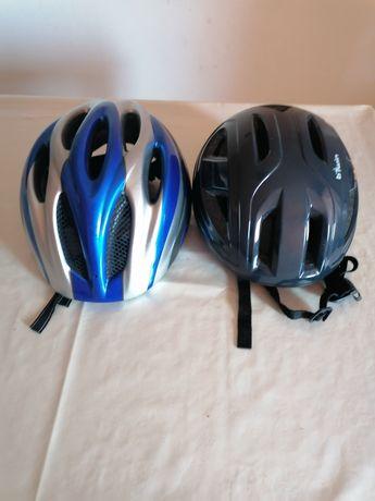 2 capacetes de bicicleta
