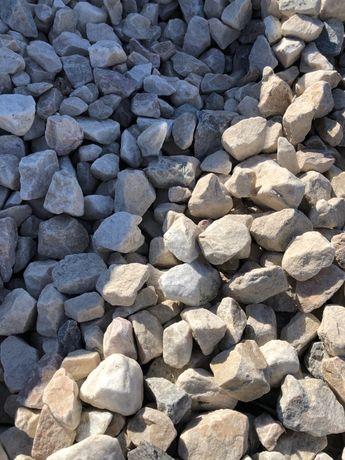 Dolomitowy -kamień ogrodowy