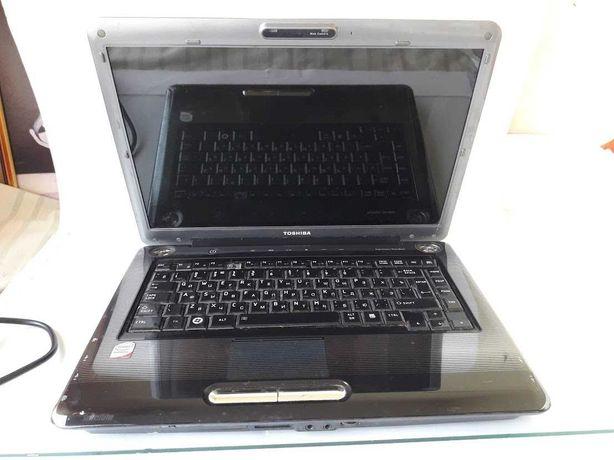 Ноутбук Toshiba Satellite A300 без жесткого диска. Сумка в подарок.