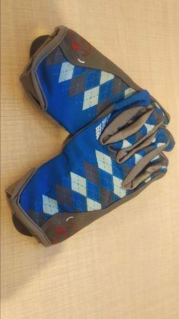 Вело перчатки S. Вело замок.