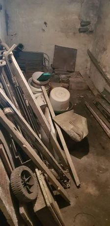Opróżnianie Wywóz utylizacja mieszkań domów piwnic strychów działek