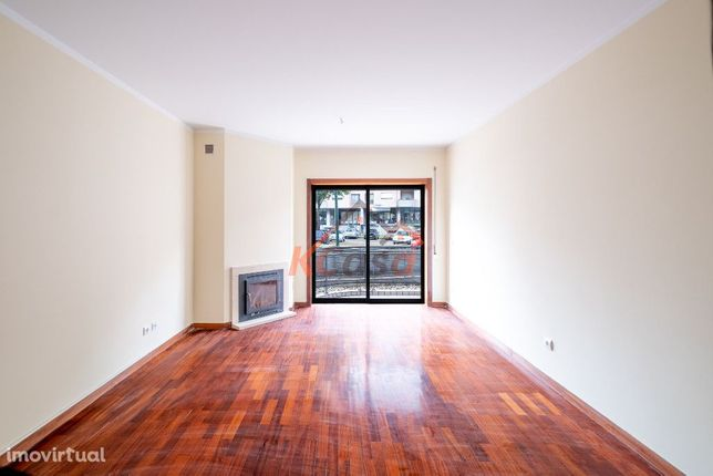 Apartamento T2 c/ Lugar de Garagem, em Valongo