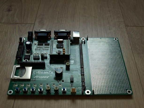 EVBsam7s Zestaw ewaluacyjny ARM z modułem MMsam7s