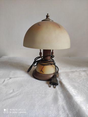 Lampka nocna stojąca