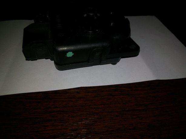 Крайслер 300 С, продам мотор кондиционера.