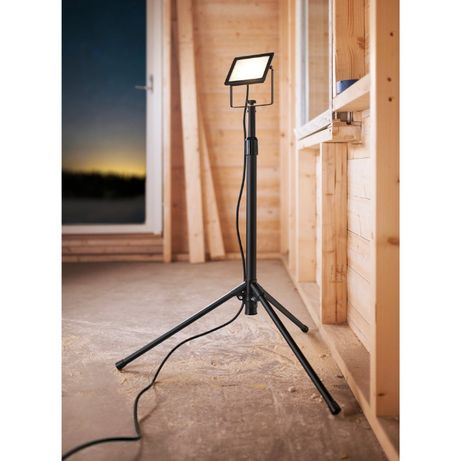 Lampa robocza ze statywem