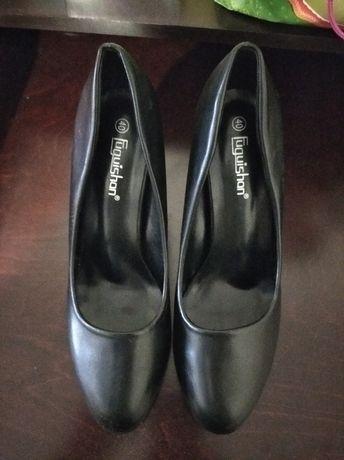 Продам туфли,размер 40.