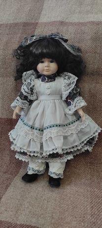 Фарфоровая куколка. Винтаж.