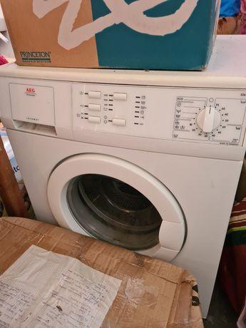 Máquina de lavar roupa AEG LAVAMAT. Programável