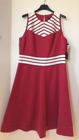 Malinowa / czerwona rozkloszowana sukienka 44