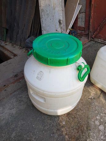 Пластиковые емкости,бидон для воды, масла; сита из пищевой нержавейки