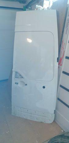 Двери задние правые Reno Master 3 Opel Movano Дверка