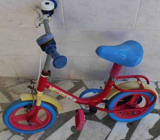 bicicleta de criança + oferta  carinho  para criança brincar